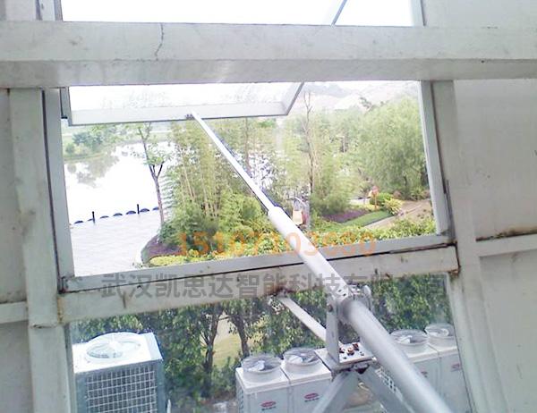 螺杆式开窗机